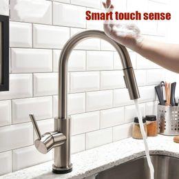 Robinet de cuisine intelligent et sans contact extraire le robinet à double réglage de l'eau évier en acier inoxydable en Solde
