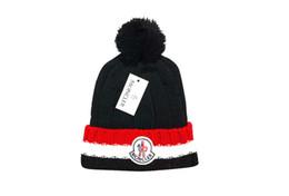 2019 Ücretsiz Kargo Sonbahar Kış Unisex yün şapka erkekler kadınlar Için moda rahat Mektup şapka kadın tasarımcı kap indirimde