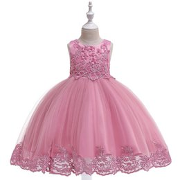 2019 Flower girl dress in rilievo ricamato bambini Princess party wedding abiti da sposa Abiti per bambini Host cuccioli Baby Girl Flower