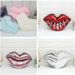 Wholesale Fashion Dazzle cool magic sequins pillow Sequin Lips Cushion Car Sofa Decor hotel bedroom Pillow Case T9I0046