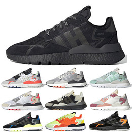 $enCountryForm.capitalKeyWord Australia - Triple Black Nite Jogger Shoes Jet Set London New York Paris Road Safety White Trace Pink SNS Exclusive Runners Jogging Shoes size 36-45