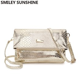 $enCountryForm.capitalKeyWord Australia - SUNSHINE gold crossbody bag for women 2018 female fashion messenger bag ladies small handbag purses clutch hand snake
