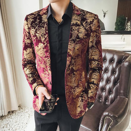 chaqueta de esmoquin de oro rojo al por mayor-Blazer oro floral rojo de la chaqueta para hombre Slim Fit Streetwear Hombres chaqueta de la manera de los hombres de primavera Prom Night Club Tuxedo Formal Wear