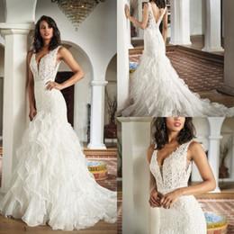 $enCountryForm.capitalKeyWord UK - Amazing Plus Size Mermaid Weding Dresses Bridal Gowns 2020 Sheer V Neck Lace Appliques Sleeveless Sweep Train Custom Made Dress