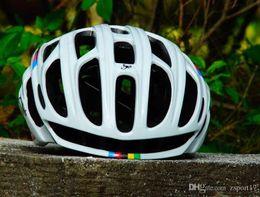 10 colores Tamaño M54-56cm Scorpion Casco de Ciclista camino de la montaña en el molde del casco de ciclista de la bici Ultraligero ventas al por mayor casco con luces LED en venta
