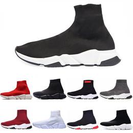 Venta al por mayor de Diseñador de moda Zapatillas de deporte Entrenador de velocidad Negro Rojo Triple Negro Moda Botas de calcetines planos Zapatos casuales Corredor de entrenamiento de velocidad con bolsa para el polvo