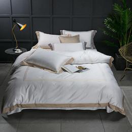 Black White Rose Bedding Australia - FAMVOTAR Luxury 60S Egyptian Cotton Sateen Hotel Stitch Bedding Set Golden Embroidered Lines White Bed Linen Queen King Size