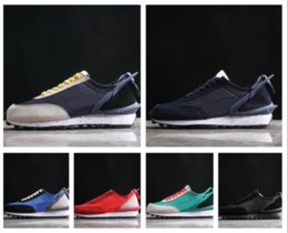 $enCountryForm.capitalKeyWord Australia - wholesale Designer Undercover x Showroom Waffle Racer Running Shoes for Men Women Fashion Sneaker Black White Camping Hiking Casual Shoes