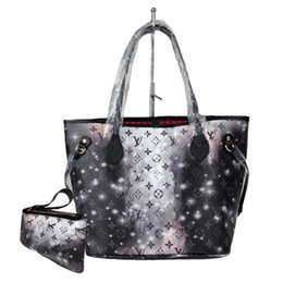 Chinese  Hot Sale 2019 New Design Stars Flowers Casual Shopping Handbags For Women Classic Style Lady's Bags Size 32cm Handbag manufacturers