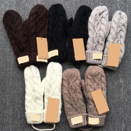 Wholesale 5 Colors Knitted Twist Gloves with Lanyard Winter Knitted Full Fingers Gloves Twist Mittens Children s Mittens pair CCA11152 pairs