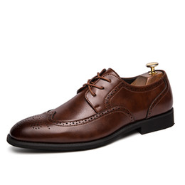 $enCountryForm.capitalKeyWord Canada - New Fashion Men Brogues Oxford Shoes Vintage Genuine Leather Derby Shoes Male Italian Design Plus Size Business Dress Shoe SH2114865