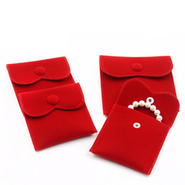 $enCountryForm.capitalKeyWord NZ - Velvet Jewelry Gift Packaging Bag Small Envelope shape Pouch with Snap Fastener Dust Proof jewelry Storage Bags red color