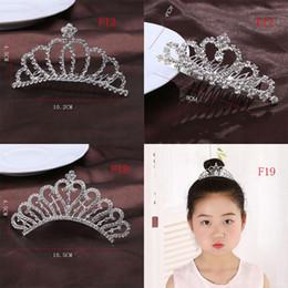 $enCountryForm.capitalKeyWord UK - Baby girls princess Crown Princess combs Mini Twinkle Rhinestone Diamante Crown Hair Comb Hair Clip Tiara for Party Wedding