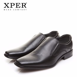 men wearing slips Canada - 2018 XPER Brand Men Dress Shoes Fashion Business Shoes Wear Comfortable Man Formal Shoes Slip-On Wedding Black #XYWD8692BL