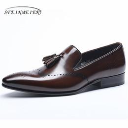 7a4290ef7 Homens de couro genuíno brogue Business banquete de casamento sapatos mens  flats casuais sapatos vintage handmade oxford para homens 2019 vermelho