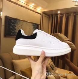 Cheap Wholesale Flat Shoes Australia - 2019 Designer Men Women Sneakers Cheap Best Top Quality Fashion White Leather Platform Shoes Flat Casual Party Wedding Shoes With Box