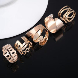Hollow Fingers Australia - 5Pcs set Fashion Vintage Punk Style Metal Gold Color Rings for Women Knuckle Hollow Out Leave Band Midi Finger Joint Ring Set