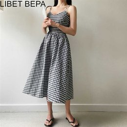 plaid bow dress Canada - 2020 New Summer Women Dresses Plaid V-Neck Sleeveless Pleated High Waist Casual Lace Up Bow Cotton and Linen Long Dress DR1699