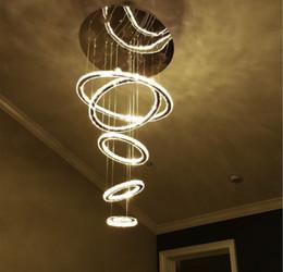 Круглые кольца Светодиодные люстры 4 кольца или 5 колец Хрустальная светодиодная люстра AC85-265V включает теплый + холодный белый стиль DIY Трехцветный свет на Распродаже