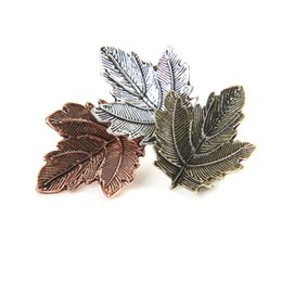 33c41141e Maple Leaf Metal Brooch Lapel Pin Fashion Jewelry Garment Accessories Gift  for Friends