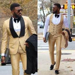 Mens black gold tuxedo forMal suit online shopping - Chic Gold Three Pieces Mens Prom Suits Groomsmen Wedding Tuxedos For Men Blazers Shawl Lapel One Button Formal Suit With Jacket Pants Vest