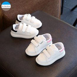 $enCountryForm.capitalKeyWord NZ - 2018 1 To 3 Years Old Fashion Children Casual Shoes Baby Boy And Girl Soft Bottom Shoes High Quality Non-slip Kids Sneakers Y19051403