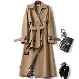 Ingrosso Giacca a vento a doppia fila Bottone Colletto rovesciato Abbigliamento donna Autunno Inverno 2019 Cappotti da donna vintage retrò eleganti con cintura