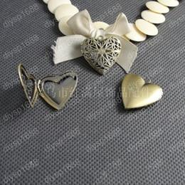 $enCountryForm.capitalKeyWord NZ - 20pcs 26*26M Antique bronze heart filigree photo locket charms vintage metal picture frame pendants necklace bracelet earring jewelry making