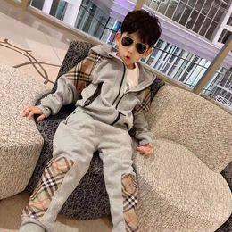 452c1f417b Kind kleiden Designer Junge Mädchen Mantel + Hose Kind Hip Hop Mode Mädchen  Sport Outfit Herbst Winter Kleidung zwei Stücke 9-150 cm