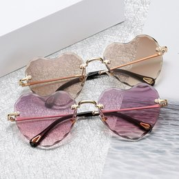 $enCountryForm.capitalKeyWord NZ - Brand Designer 2018 New Love Heart Sunglasses Women Fashion Rimless Sun Glasses Cute Sexy Candy Colors Ladies Eyewear UV400