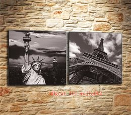 $enCountryForm.capitalKeyWord NZ - Statue of Liberty and Eiffel Tower , 2P Canvas Painting Living Room Home Decor Modern Mural Art Oil Painting