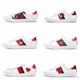 Boxes fruit online shopping - Mens designer luxury shoes Casual Shoes white women sneakers good embroidery bee cock tiger dog fruit on the side with OG box