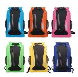 Venta al por mayor de 6 colores 25L bolsa de rafting para deportes acuáticos al aire libre bolsa de escalada de playa impermeable bolsas de almacenamiento en seco correa ajustable mochila 20pcs