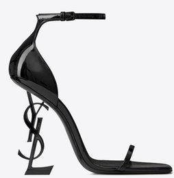 2019 Factory In Stock ysl Nuevo y sexy zapatos Mujer Verano Hebilla Correa Sandalias de bambú ysl Zapatos de tacón alto Punta estrecha Zapatos de vestir de moda en venta