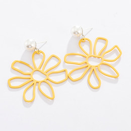 korean flowers white NZ - Maxi 01 Korean simple fashion super fairy girl hollow big partysu yellow flower pearl earrings for dress and swimwear