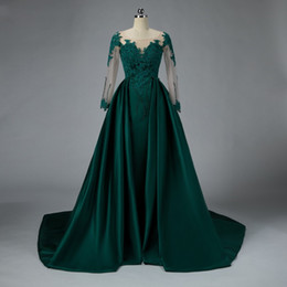 $enCountryForm.capitalKeyWord Australia - 2019 Arabic Emerald Green Prom Dress Luxury Detachable Train Satin Lace Beaded Formal Dress for Muslim Party Theme Graduation Dresses