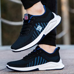 men canvas sports footwear NZ - Youth Rugged Sport Shoes Teenager Breathable Mesh Sneakers Lace-up Outdoor Footwear Men Fashion Summer Fly Woven Casual Shoes