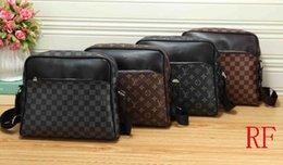 $enCountryForm.capitalKeyWord NZ - 2019 Women Color splicing Little bee Bags Fashion Zipper Designer Handbag Casual Shoulder Messenger Bag New 02