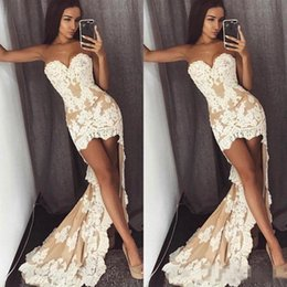 $enCountryForm.capitalKeyWord Australia - Sexy Sweetheart High Low Prom Dresses Champagne And Ivory Strapless Cocktail Party Dress Lace Applique Short Front Long Back Evening Gowns