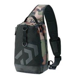 2019 nuevos hombres mujeres solo hombro bolsas de pesca impermeable ocio multifunción camuflaje mochilas kit de equipo de pesca