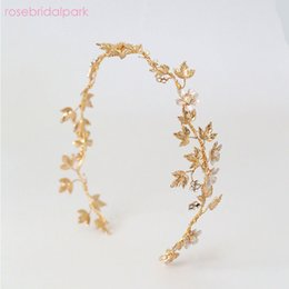 Wholesale Rosebridalpark New Gold Pearl Princess Tiaras Flower Leaf Bridal Headpiece Girl Crystal Crown Hair Ornaments Wedding Jewelry