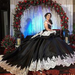 $enCountryForm.capitalKeyWord Australia - Gothic Black And White Ball Gown Wedding Dresses New 2019 Lace Applique Off Shoulder V Neck Saudi Arabia Vintage Wedding Dress Bridal Gowns
