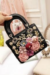 $enCountryForm.capitalKeyWord Australia - Luxury Handmade Flower Handbag Women Embroidery Beaded Evening Party Hand Bags White PU Leather Tote Bags Wedding Bridal Bag