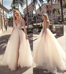 $enCountryForm.capitalKeyWord Australia - Sexy V-neck Split Evening Dresses Plunging Neckline Crystal Prom Gowns Custom Made Tulle Evening Party Dress Backless Party Gowns
