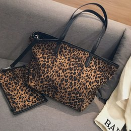 leopard printed hand bags UK - 2 Pcs Set Plush big bag female 2018 new tide leopard print zipper shoulder bagslarge-capacity tote shopping Hand bags handbag #113153