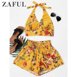 sleeveless cowl neck tops NZ - Zaful Women Set Summer Halter Sleeveless Floral Crop Top Elastic Waist Shorts Two Piece Set Casual Beach Suit Women's Clothing Y19042901