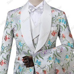 Discount grooms smoking suit - White Red Jacquard 3 pieces Men Suits One Button Groom Terno Masculino smoking slim fit Men Wedding Suits jacket+Pants+V
