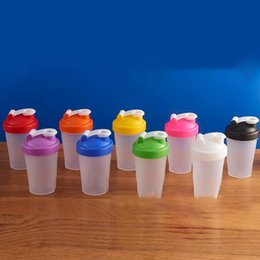 Großhandel 400ml Sports Flasche Shaker Mixer Flasche aus Kunststoff Shaker Flasche Sports Fitness Leakproof Shaker Trinkflaschen KKA7011