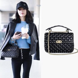 luxury chains Australia - new Fashion Bags Shoulder Bags pu women bags Thread Rivet chains bagHot in Europe and America brand designer handbag luxury handbag lea