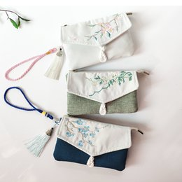 $enCountryForm.capitalKeyWord Australia - 2019 Small Zipper Hand bag delicate ethnic flower embroidery clutch bag bolso mujer 3 color tote bags mobile phone